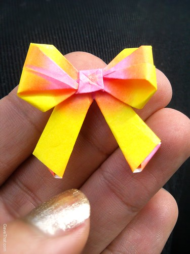 Tiny Origami Gift Bow