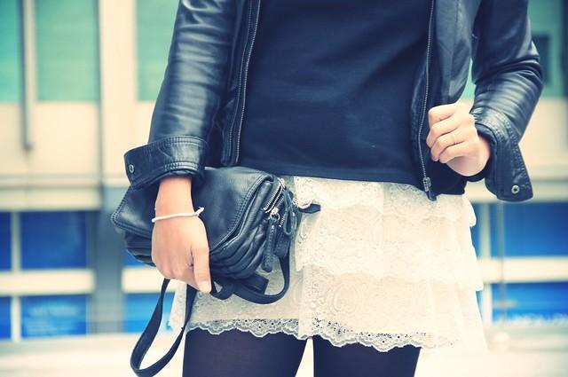 Look falda encaje + beanie