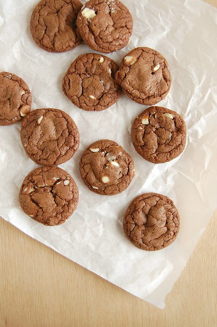 Double chocolate cookies (made with sweetened condensed milk) / Cookies duplos de chocolate (feitos com leite condensado)