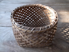 flowerpot(0.0), storage basket(1.0), brown(1.0), wood(1.0), wicker(1.0), basket(1.0),