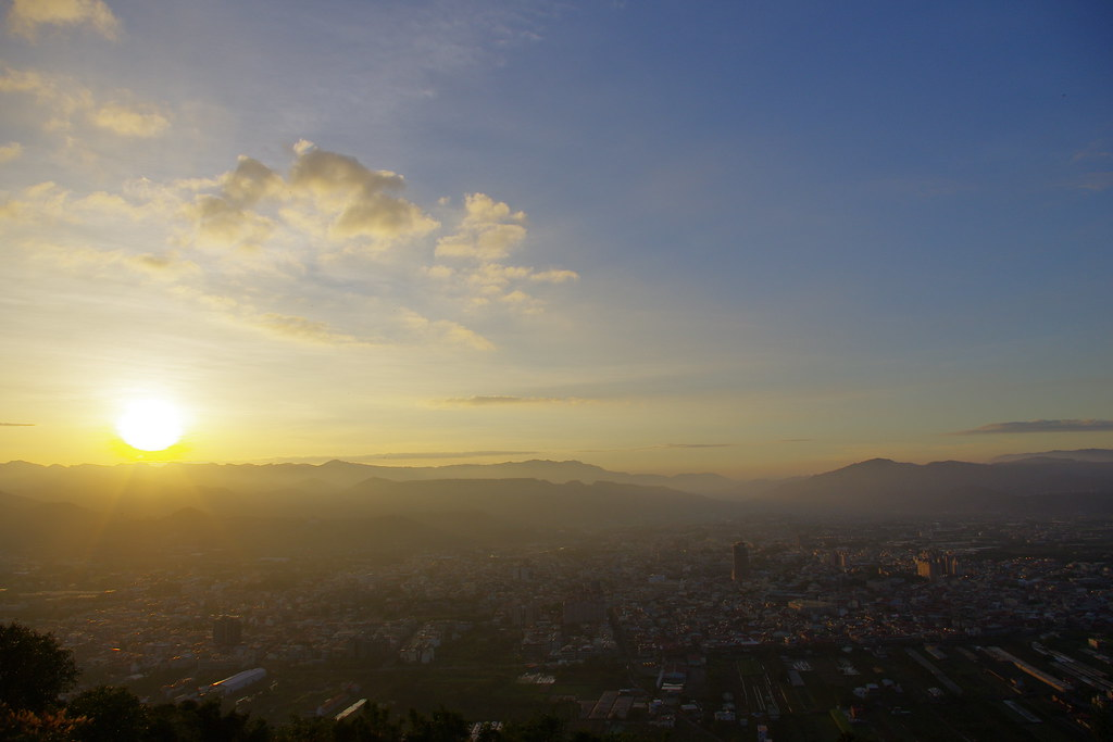 20121119冬雨後的埔里小鎮;日夜轉換