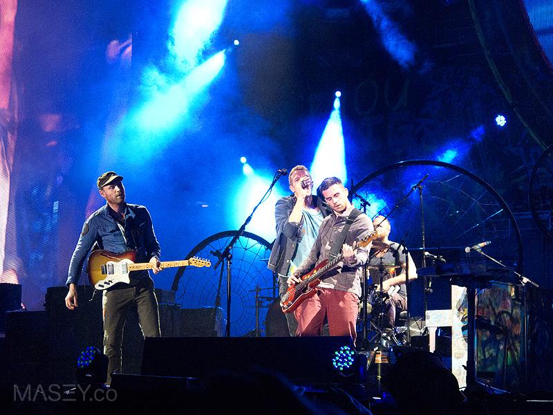 Coldplay rock Suncorp Stadium
