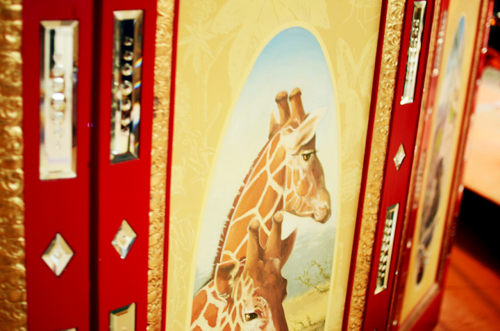 giraffe painting carousel
