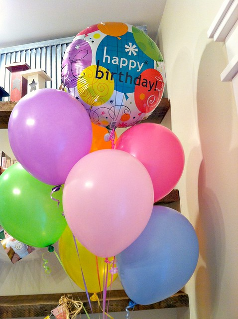 I Drove To The Dollar Store And Waltzed Out With A Pile Of Balloons For 700
