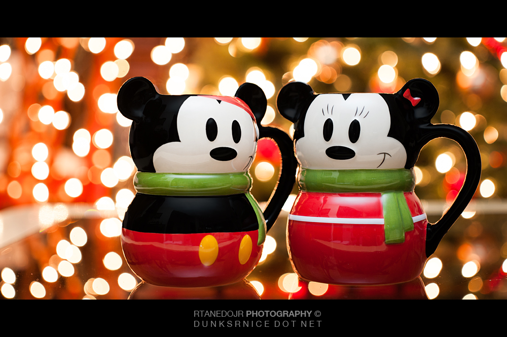 334 of 366 || Mickey & Minnie Holiday Cups.
