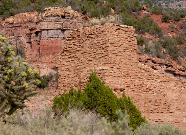 jemez pueblo mature personals It includes the stone ruins of a 500 year old indian village and the san josé de los jemez church dating to 1621/2 the village of giusewa was built in the narrow san diego canyon by the.