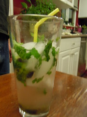 non-alcoholic beverage, mojito, mint julep, drink, cocktail, alcoholic beverage,