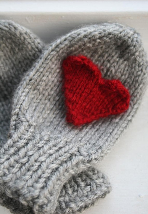 heartmittens2.jpg