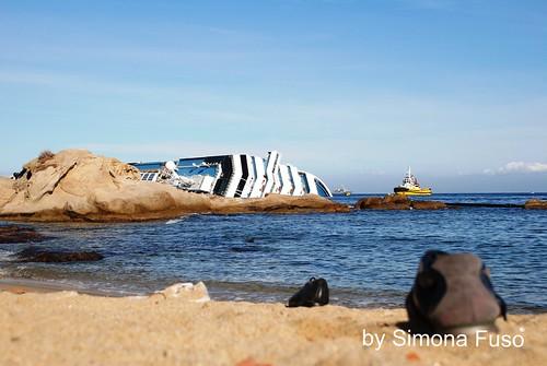 Scarpe dei naufraghi.Simona Fuso