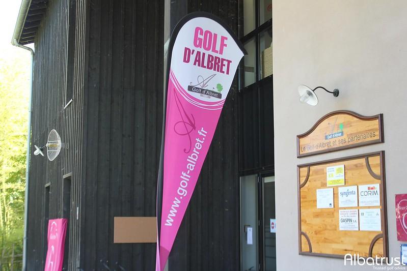 photo du golf Golf d'Albret - Parking