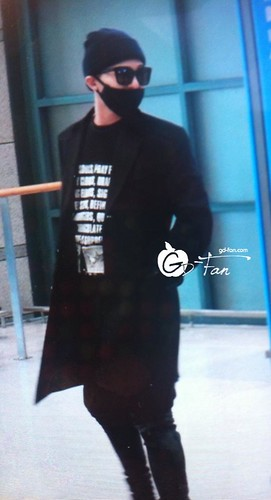 Big Bang - Incheon Airport - 10apr2015 - G-Dragon - GD Fan - 03