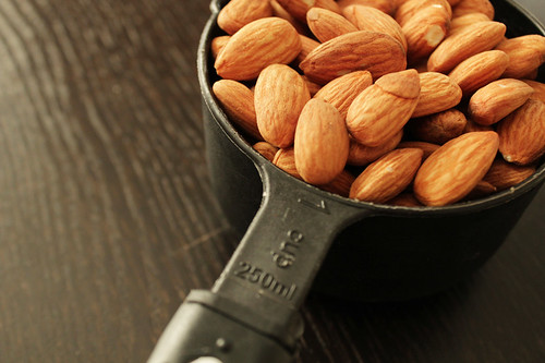 almonds, au naturel