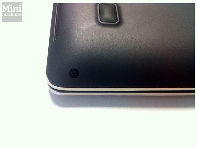 Asus VivoBook X202E Inside