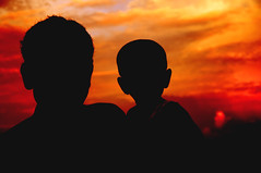 [Free Images] People, Sunrise / Sunset, Family / Parent and Child, People - Two Persons, Silhouette ID:201211161800
