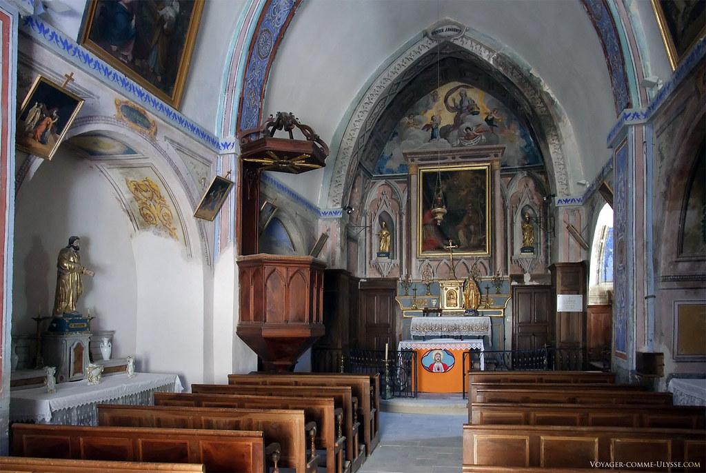 Dans l'église paroissiale Saint Jean Baptiste et Saint-Léger. L'église, petite, est richement décorée, avec de belles peintures.