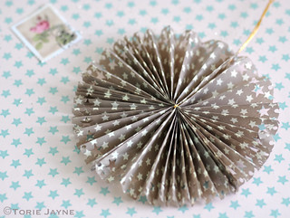 Starry paper rosettes