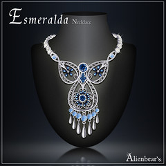 Esmeralda necklace blue