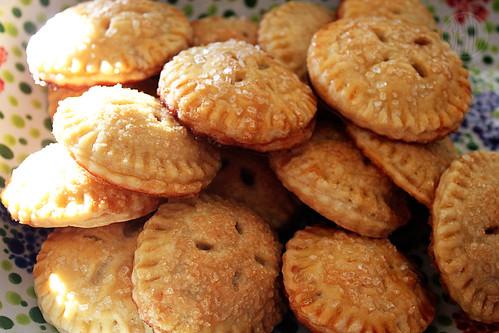 twee apple pies
