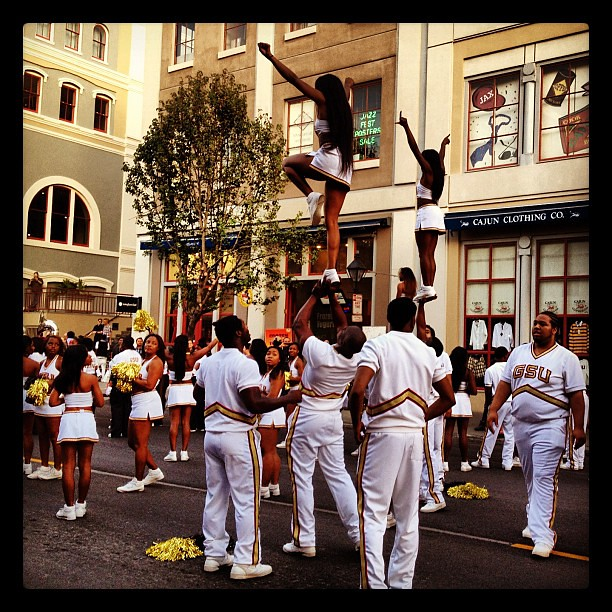 GSU Cheerleaders at New Orleans Thanksgiving Parade