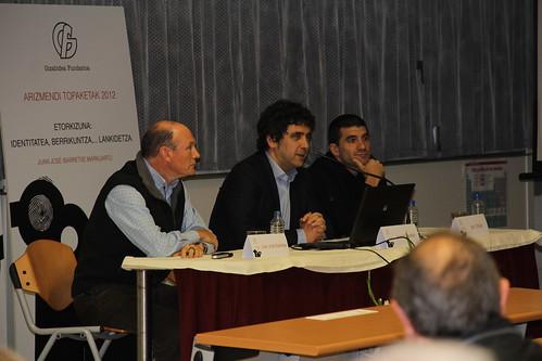 Juan José Ibarretxe, Joxean Alustiza (presidente del Grupo Fagor) e Igor Ortega (de MU-LANKI).