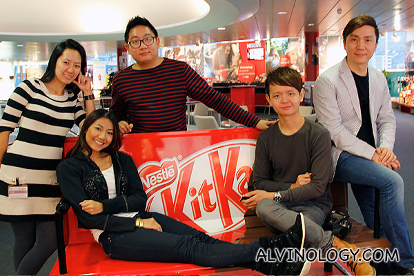 Group picture at the Kit Kat bench
