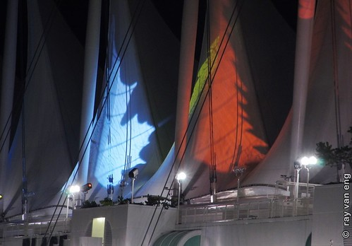 Sails of Light 2012 Weihnachten am Canada Place Light Show auf Teflon Leinwand an den Five Sails in Vancouver