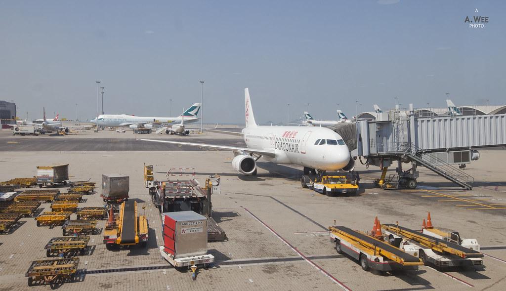 Dragonair Airbus A320