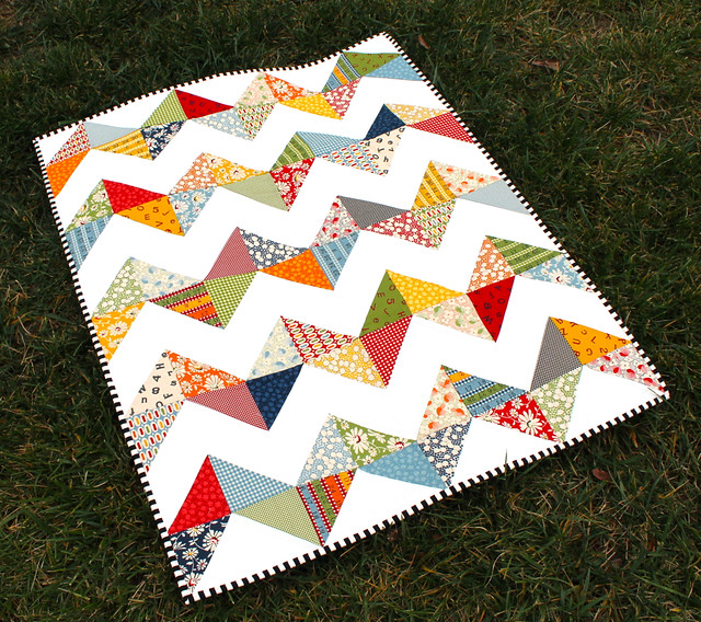 Wee Play zig zag quilt
