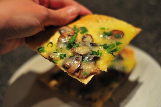 mushroom pizza bianca