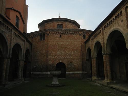 DSCN4889 _ Basilica Santuario Santo Stefano, Bologna, 18 October