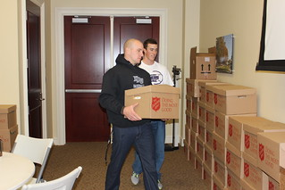 HPU Players Loading Food