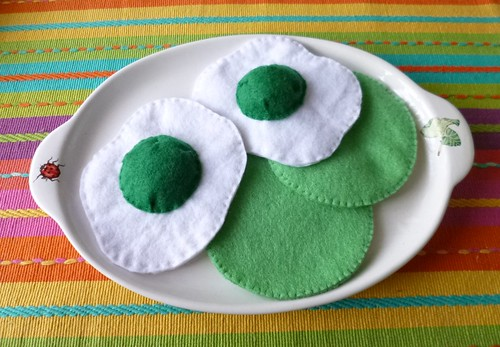 : Felt play food - Green eggs & ham