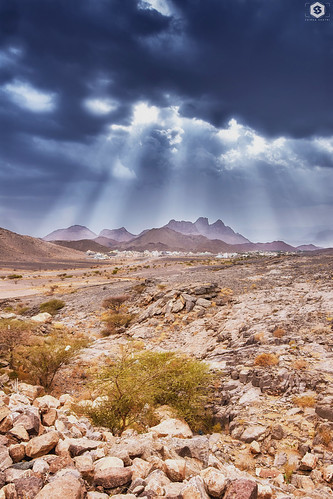 nikon d7200 tamron1530 tamron nature clouds oman hootacaves outdoor offroad rocks mountain light sunlight sky hdr colors landscape nikonme nikontop rays sun darkclouds fresh