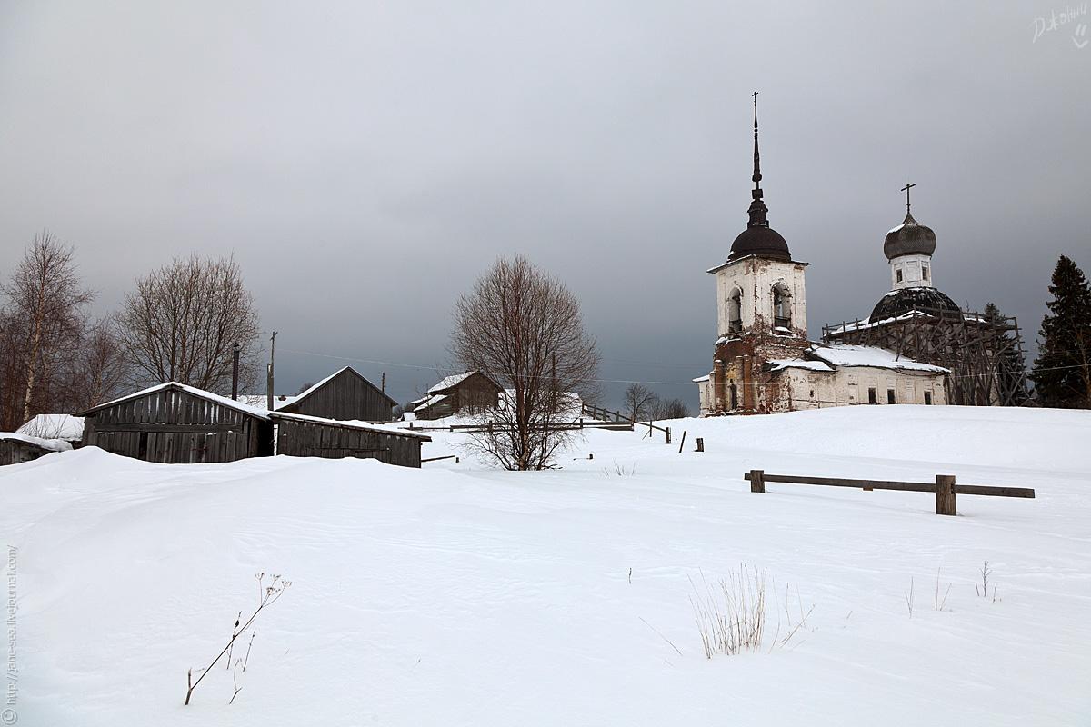 Деревня Морщихинская. Берег Лекшмозера. Церковь Петра и Павла