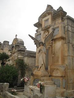 2012-5-nov-bari-096-locorotondo-cemetery
