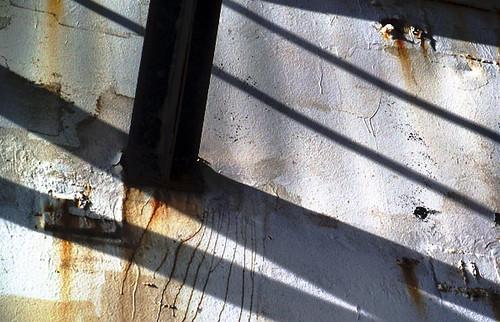 pier shadows rust 028