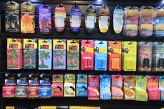 machine(0.0), slot machine(0.0), vending machine(0.0), supermarket(1.0),