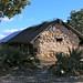 Stone wall house - Casa con paredes de piedra; cerca de Guadalupe Hidalgo, Región Mixteca, Oaxaca, Mexico por Lon&Queta