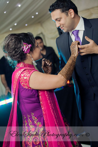 Indian-wedding-photographer-Henna-night-V&A-Elen-Studio-Photograhy-045
