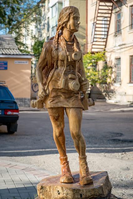 Деревянные скульптуры в Симферополе - фотограф