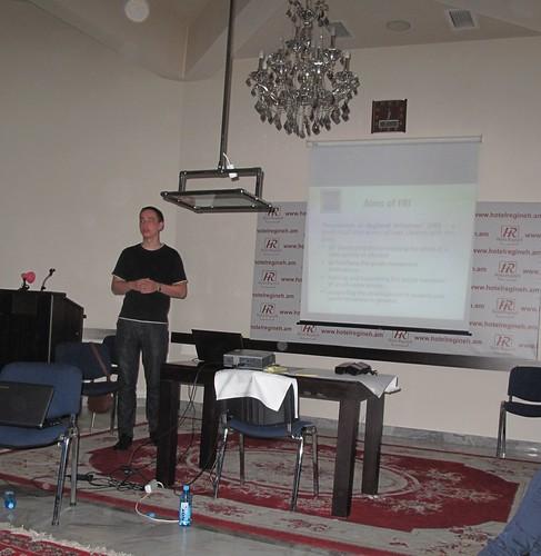 презентація ФРІ на навчальному візиті у Вірменію