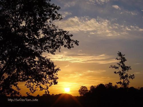 travel sunset sky cloud sun holland color colour nature netherlands dutch clouds sunrise zonsondergang europe skies view apartment sony air natuur wolken sunsets cybershot scene sunrises lucht zon zeist bunnik webshots f505