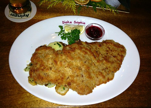 "Kalbsschnitzel ""Wiener Art"" mit Bratkartoffeln"