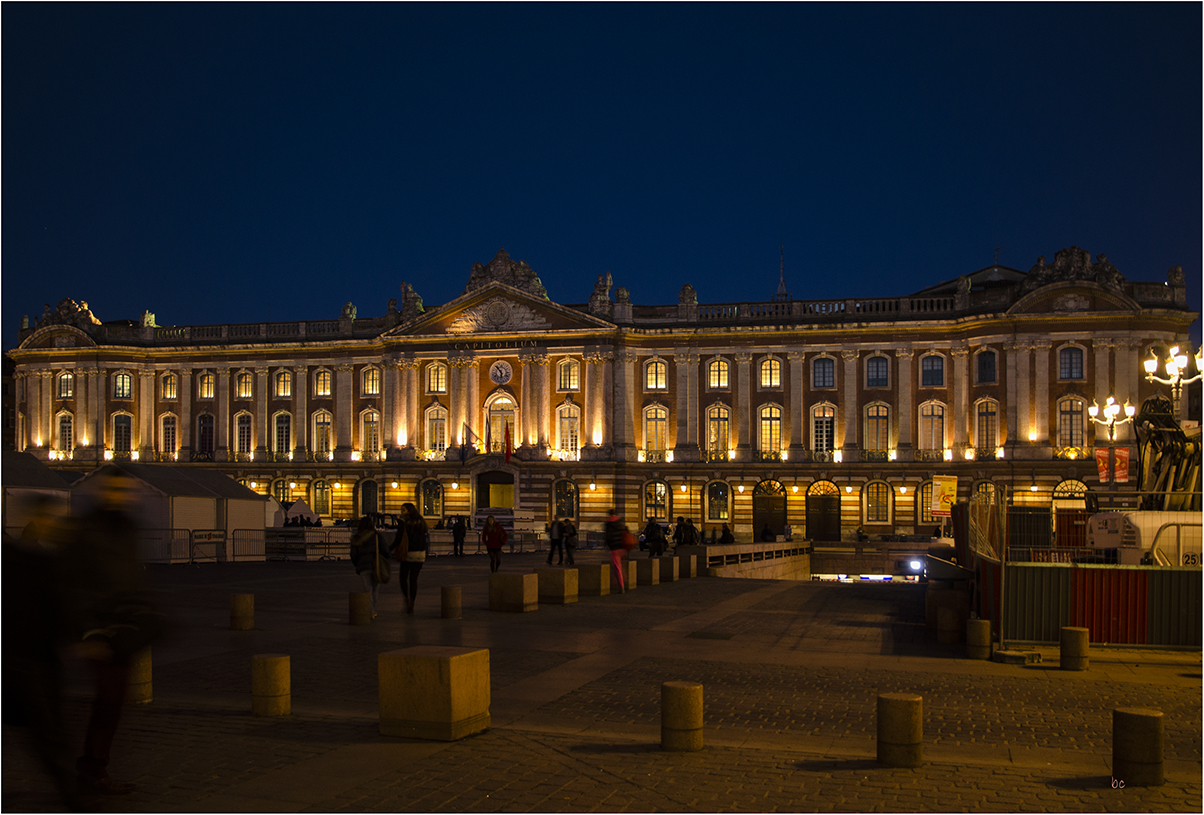 TOULOUSE-le Capitole.1.red