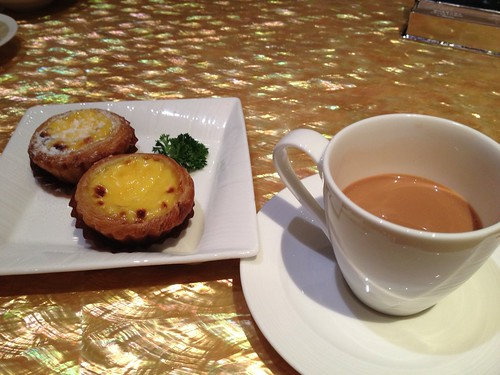 Egg tart and milktea