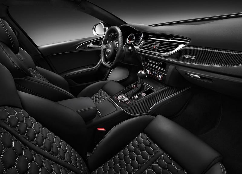 2013 Audi RS4 Avant Front Seat