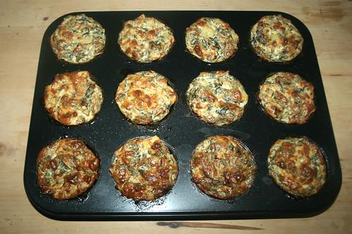 50 - Ricotta-Muffins mit Kartoffeln, Pinienkernen & Pak Choi / Ricotta muffins with potatoes, pine nuts & pak choi - Fertig gebacken