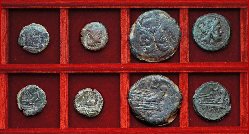 RRC 136 AV Aurelia bronzes, RRC 137 crescent bronzes, Ahala collection, coins of the Roman Republic