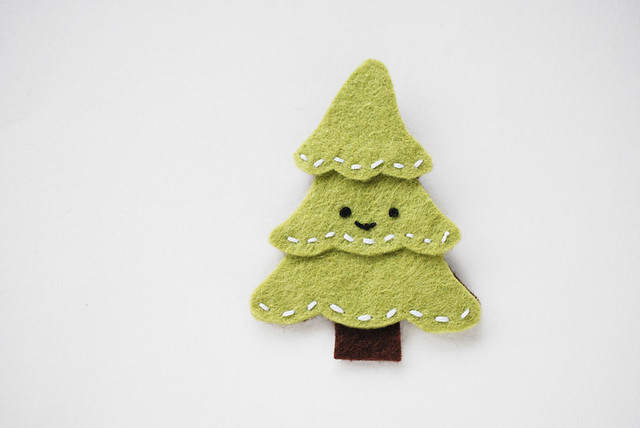 O Christmas Tree Felt Pin