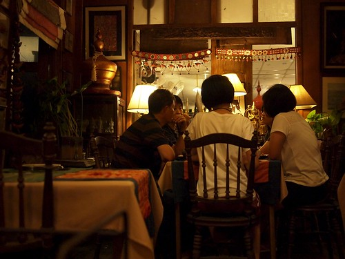 Cenando en Heuan Phen